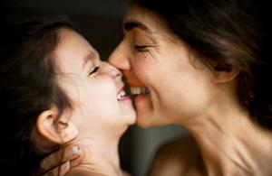 纪实摄影:初为人母