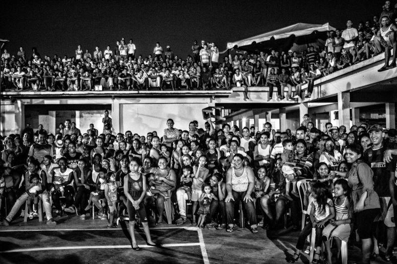纪实摄影:委内瑞拉监狱景象