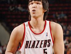 http://sports.huanqiu.com/basketball/nba/2013-10/4510030_4.html