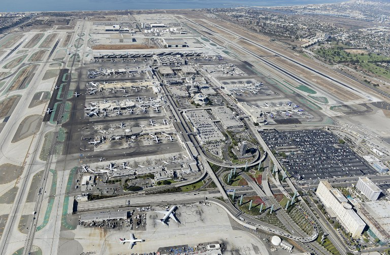 洛杉矶机场发生枪击案致1死7伤 嫌犯已被捕