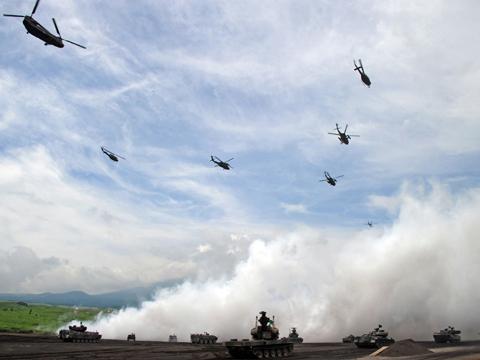 蒋述日本:日媒热报陆海空联合军演的真实目的