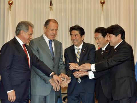 日俄启动2+2机制是否为普京获诺奖铺路?