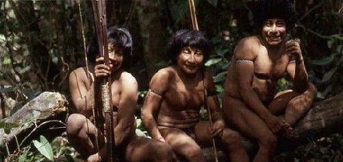 实拍印尼女孩割礼手术