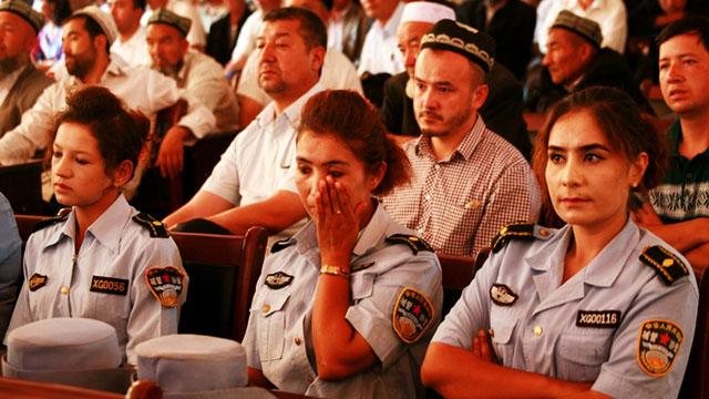 社评:为减少新疆反恐的干警伤亡而奋斗