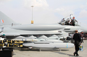 迪拜航展BAE带来增肥版台风