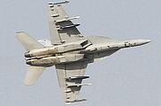 美国F-18战机全副武装