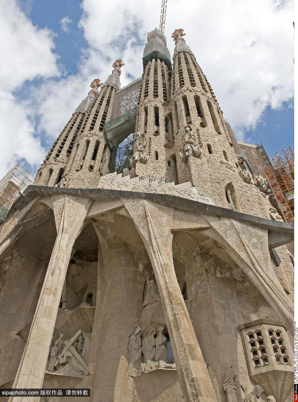 国内资讯_实拍巴塞罗那圣家族大教堂_旅游_环球网
