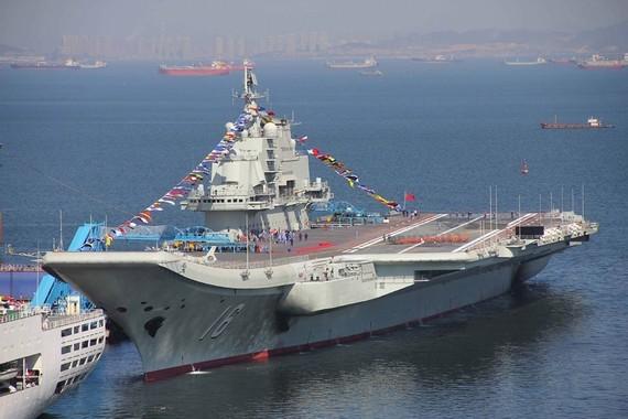 中国航母将历史性现身台海 打破美国航母独霸