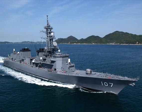 日本舰船向东海中间线集结 或挑衅辽宁舰编队