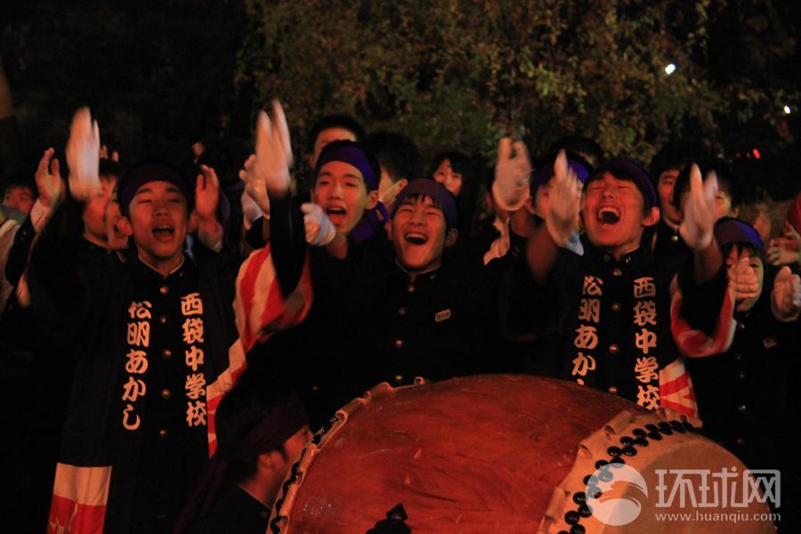福岛须贺川松明火焰祭 祭祀地震亡魂