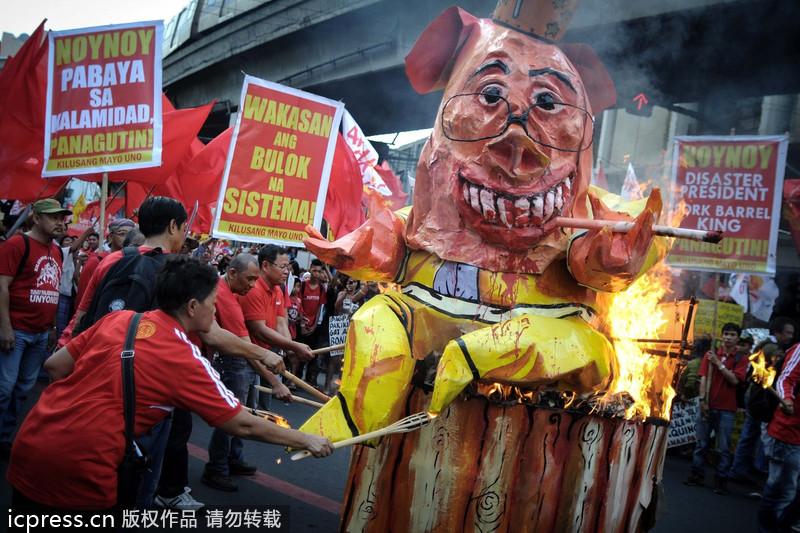 菲纪念革命之父诞辰 抗议政府应对台风不力