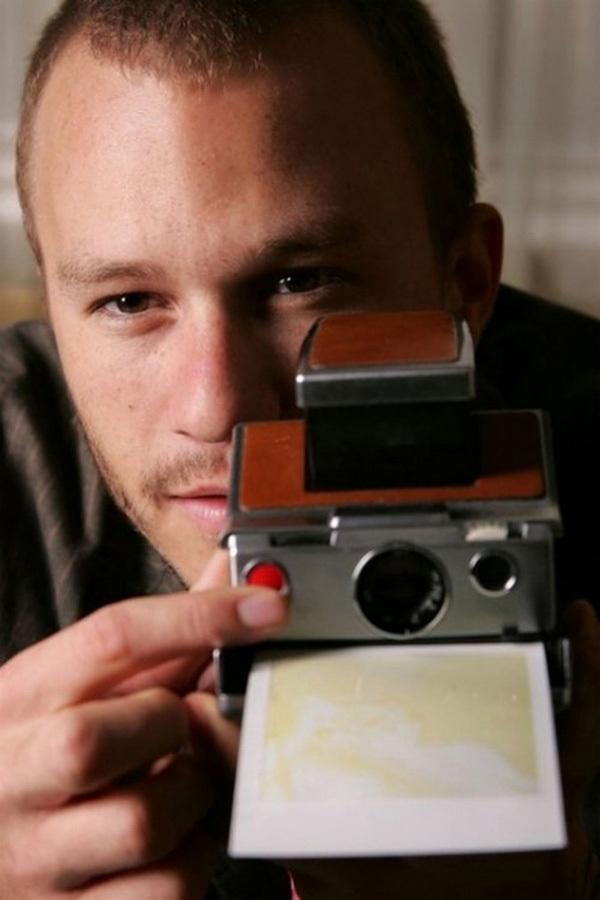拿照相机的人-莱坞明星手中的相机