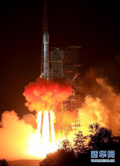 中国人应鼓励探月 切勿被航天不如扶贫论干扰