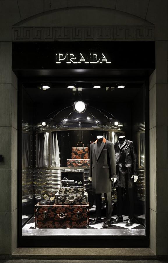 社会资讯_Prada 2013圣诞橱窗设计曝光_时尚_环球网