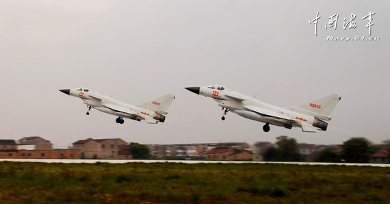 日媒狂想中日开战;歼10导弹落空被日F15击落