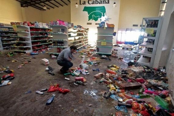 阿根廷出兵镇压哄抢潮 华人损失惨重武装自保