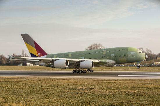 韩亚航空坠机视频_韩亚航空首架空客A380飞机成功完成首飞_军事_环球网
