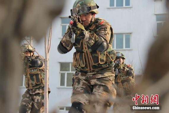 打赢新疆反恐人民战争 对极端势力决不手软