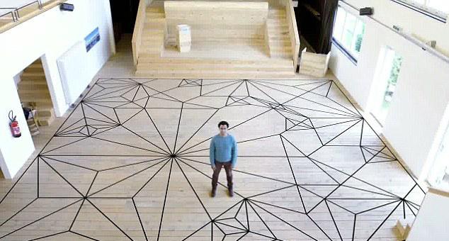 瑞士折纸大师欲折3米高纸质大象