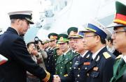 英军45型舰离开中国后访问越南