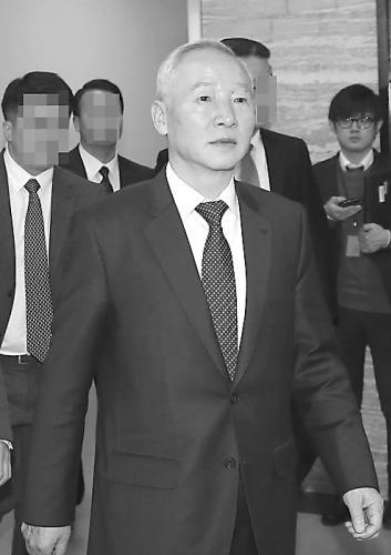 韩国国家情报院院长南在俊出席国会会议。