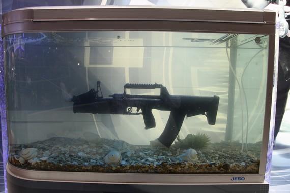世界自动步枪三大流派:俄粗犷美创新欧精密