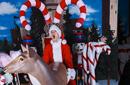 埃米纳姆庆圣诞发搞怪节日图