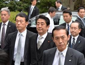 日本首相安倍晋三26日上午参拜靖国神社