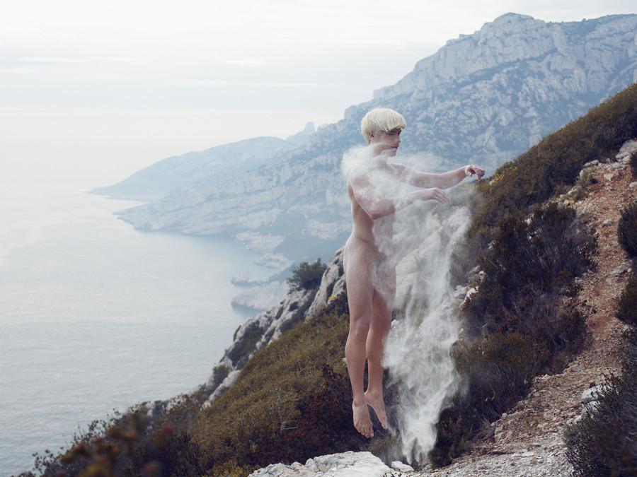 【绘画摄影艺术】更新(638)《大自然中的裸舞者》by Julia诗清话逸