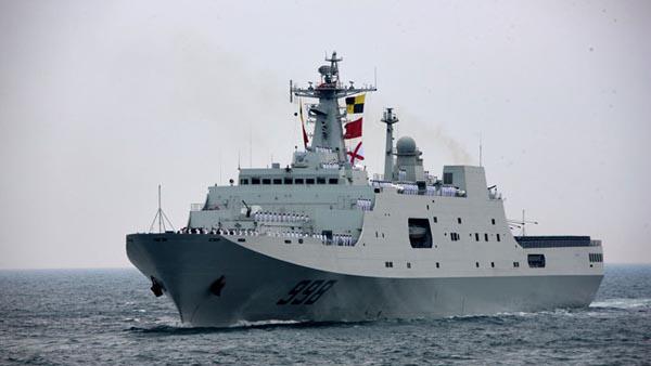 登上中国护航登陆舰:可疑船只发现就逃不掉