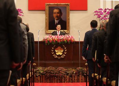 马英九:台湾经济想更上层楼 要因应大陆经济转型