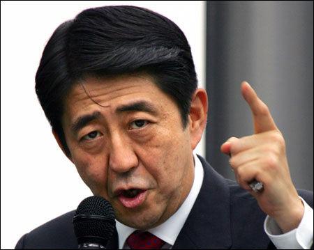"""中国打响""""修理安倍""""舆论战 被指更强硬自信"""
