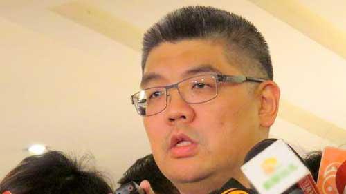连胜文2月宣布是否参选 自曝3年收到300封恐吓信