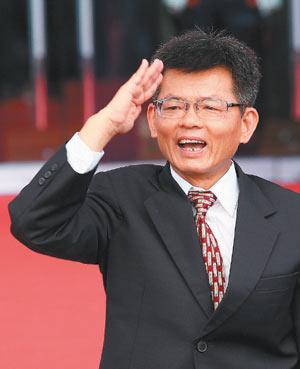 杨秋兴参选高雄市长承重担:不会比3年前苦