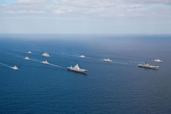 印度欢呼20年后再现双航母 关注中国航母发展