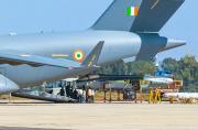 印度用C-17大运装运LCA战斗机