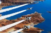 中国空军歼11机群横扫海空美图