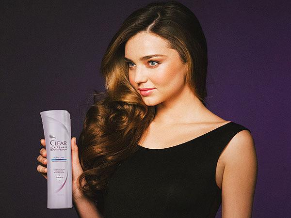 辣妈超模米兰达·可儿代言清扬洗发水广告图片