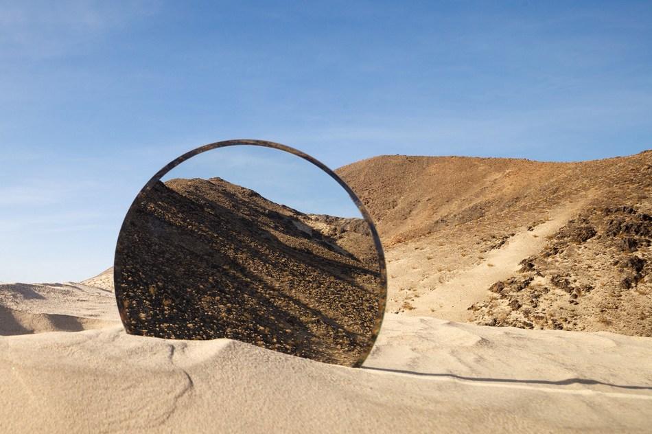 观念摄影:镜面虫洞