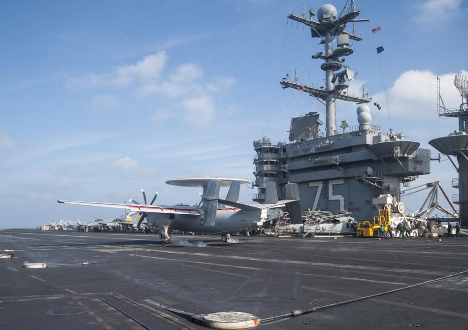 Rafale y Super Hornet intercambian portaviones en ejercicios 20140117103119517