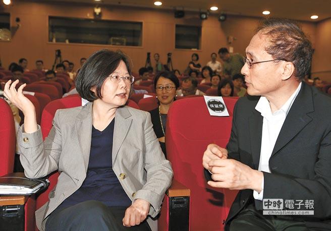 """蔡英文智库访大陆后返台 否认替蔡""""传话"""""""