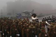 印度阅兵彩排遭遇雾霾照练不误