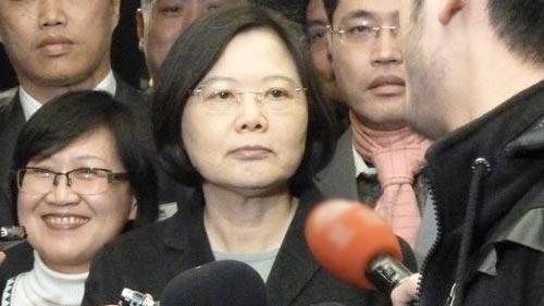谢长廷批苏 蔡英文:下一任党主席责任很重