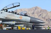 印度放出苏-30MKI机群猛照吓人