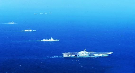 美专家:1艘中国航母至多有美国航母1/3战力