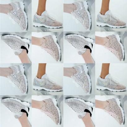 和各式蕾丝花边,打造属于你自己的独一无二的运动鞋