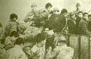 日军将中国青年押往屠场