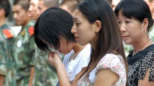 社评:暴恐不绝,新疆社会莫急躁紧张