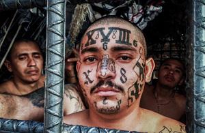 纪实摄影:萨尔瓦多囚笼