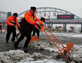 暴雪致中国113个路段封闭